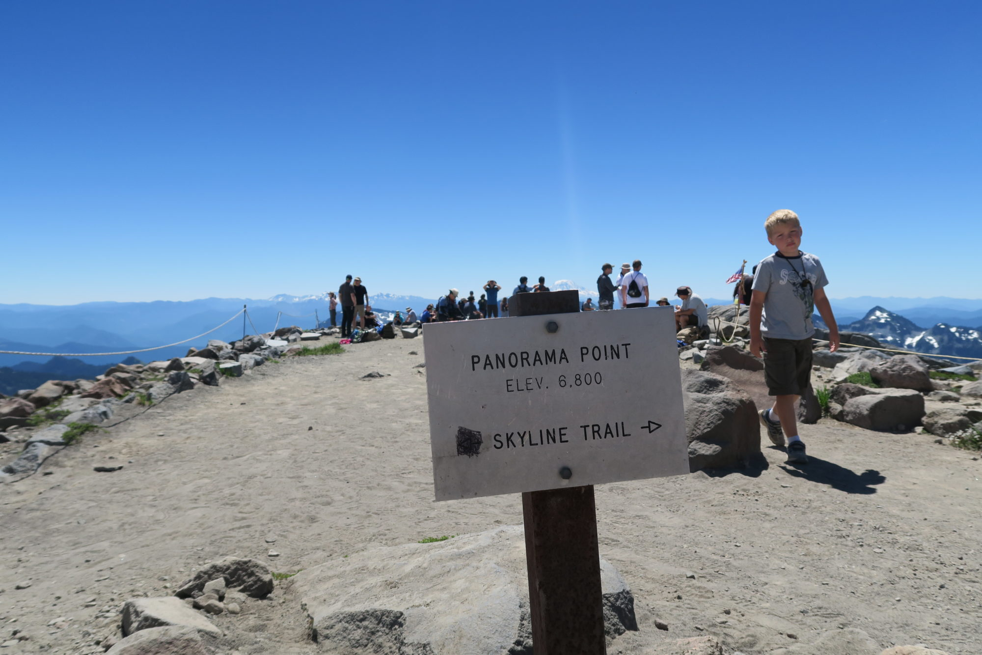 mt_rainier_panorama_point