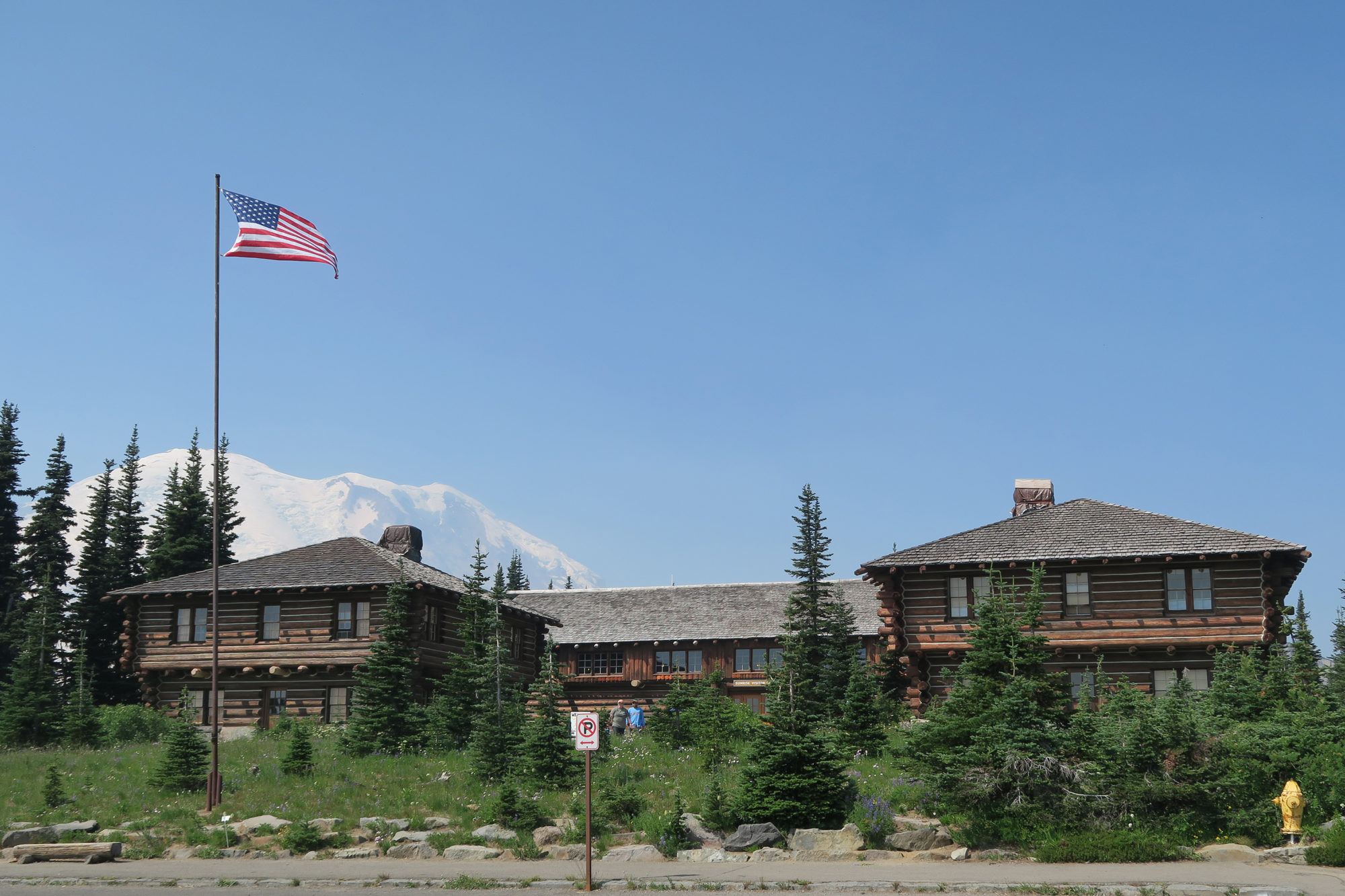 mt_rainier_ranger_station