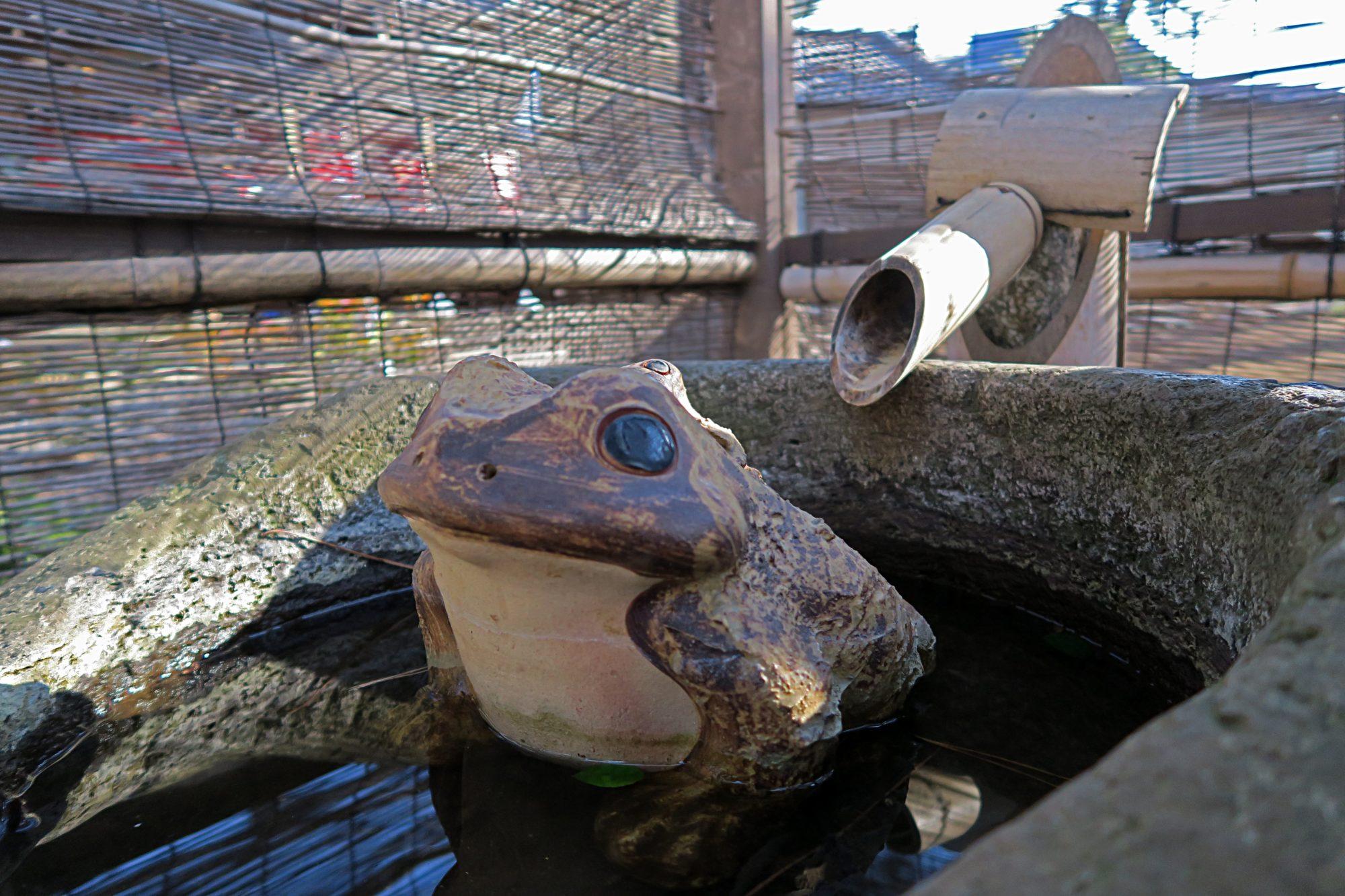 Soji ji - Frosch Statue